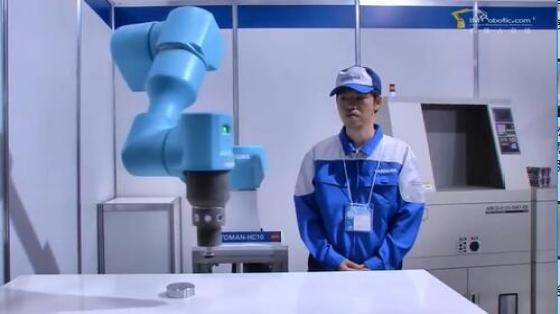 机床管理行业_机床上下料_安川机器人 1