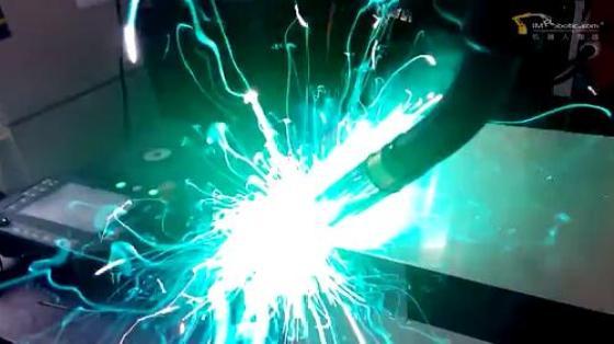 金属加工行业_弧焊_ABB机器人 3