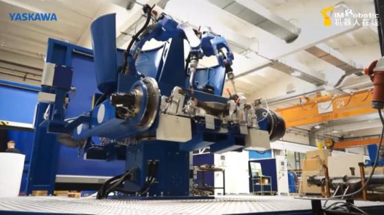 """电弧焊""""机上机器人""""焊接系统_安川机器人"""