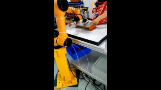 金属加工行业_打磨_遨博协作机器人