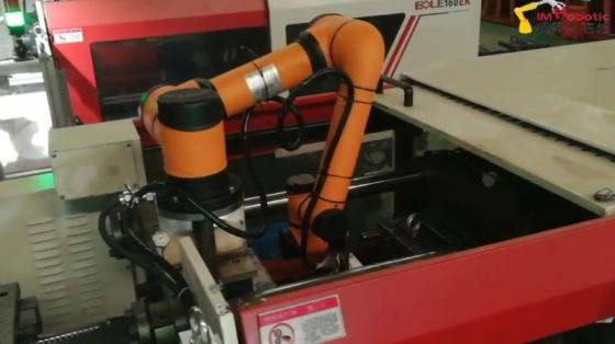 塑料&橡胶行业_注塑机上下料_遨博机器人