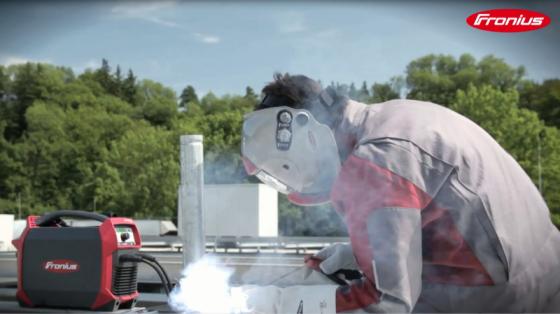 焊接_伏能士焊接机器人 2