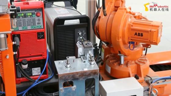 工程机械行业_焊接/切割波纹腹板H型钢_ABB机器人