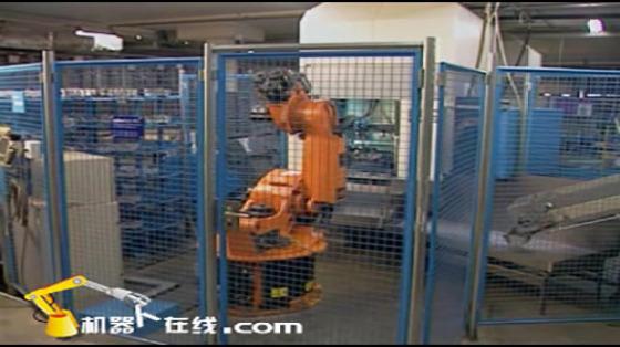鑄造工業行業_壓鑄/取件/噴霧/R252_庫卡kuka機器人 3