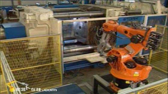 Kuka Robot 库卡机器人 塑料加工 注塑 取件R169