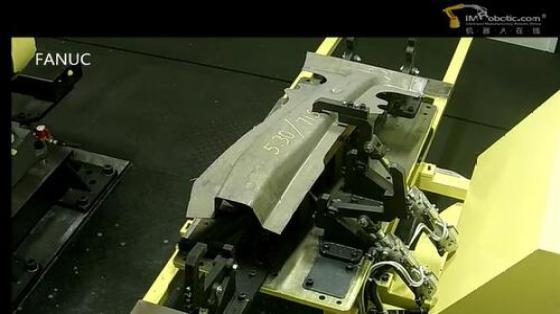 金属加工行业_弧焊_发那科机器人