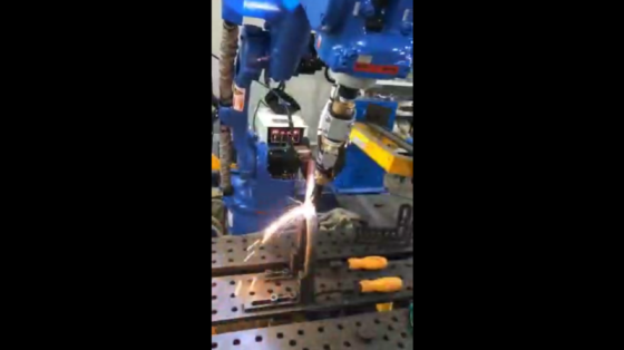 機器人焊接工作站案例_金雨自動化 6
