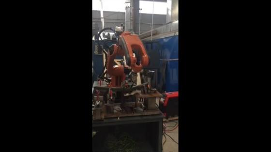 金属加工_点焊_柴孚机器人