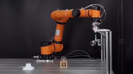 消費品行業_裝配_遨博機器人