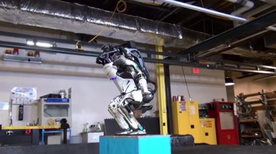 波士頓動力系列:Atlas機器人展示后空翻