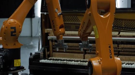库卡机器人乐队震撼演绎音乐