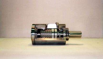 增加高工作压力,用节流阀调节排气流量,使旋转气缸的平均速度达到200